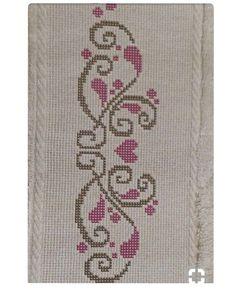 Pinterest ten alıntı #kanaviçe #çarpıişi #sablon #havlu Cross Stitch Boarders, Cross Stitch Letters, Cross Stitch Art, Cross Stitch Flowers, Cross Stitch Designs, Cross Stitching, Cross Stitch Embroidery, Hand Embroidery, Stitch Patterns