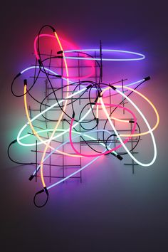 Digital Wave - Keith Sonnier, »Cannes #2«, 2008 | Neon, Eisengitter, Transformer