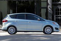 Toyota Prius V 2015 vs Ford C-MAX 2015 - Value pictures