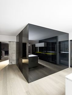 http://www.designcontext.net/habitat-67-larchitettura-moderna-rivisitata-dallinterno/