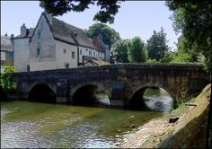 le Pont des Minimes - Old bridge over the Eure river,in the old part of the town - Chartres - Eure et Loir - France -