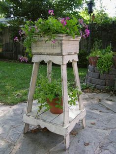37 DIY Rustic Wood Planter Box Ideas for Your Amazing Garden Erosion will eat away at regions of the ground facing your wall should there be a considerable slope. When you have built an easy planter you are able to try out making a deck box too. Wooden Garden Planters, Wood Planter Box, Flower Planters, Planter Ideas, Rustic Planters, Garden Plants, Flowers Garden, Porch Planter, Pallet Planters