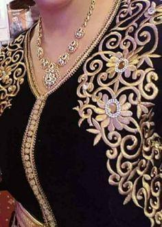 Buy fabrics in India Embroidery Fashion, Embroidery Dress, Beaded Embroidery, Hand Embroidery, Bordados Tambour, Caftan Gallery, Arabic Dress, Moroccan Caftan, Kamiz