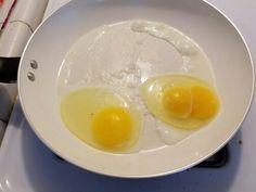 I had an egg that had two yolk! Wtf ; ;