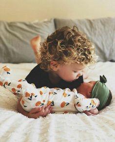 More than 30 newborn pictures girl at home # neugeborene bilder mädchen zu hause Little Babies, Cute Babies, Baby Kids, Cute Family, Baby Family, Family Goals, Family Pics, Cute Baby Pictures, Newborn Pictures
