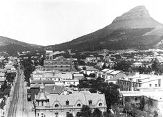Kloof Street to left. Old Pictures, Old Photos, Vintage Photos, Cities In Africa, Cape Dutch, Desert Life, Cape Town South Africa, Travel Brochure, Most Beautiful Cities