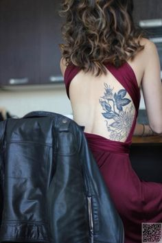 17. Back Tattoo - 30 #Flower Tattoos That Will Make You Want Some New Ink ... → #Fashion #Tattoo