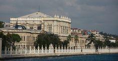 Palacio de Dolmabahce. #turquiaturismo #turquia #estambul #turismo #viajes #viaje #viajero #viajeros #instaviajes #instaturismo #instatravel #travel #fotodeldia #foto #picoftheday #photooftheday #dolmabahce