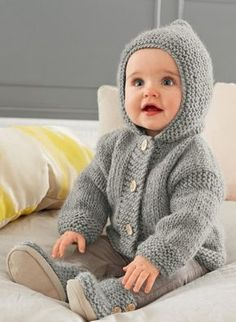Cat. 15/16 - #191 Grey hooded coat