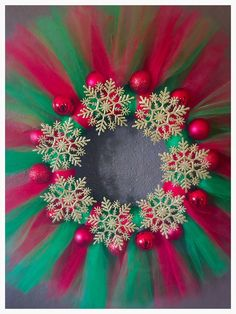 Best 12 Christmas Presents Christmas Wreaths Edinburgh! Tulle Crafts, Wreath Crafts, Diy Wreath, Christmas Projects, Holiday Crafts, Etsy Christmas, Gold Christmas, Simple Christmas, Easy Christmas Decorations