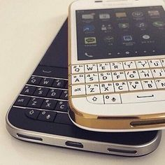 #inst10 #ReGram @monolike312: #Stationery #Ballpoint #Pen #Watch #Bag #WritingInstrument #Leather #Handbook #Belt #Fashion #Coordination #Wallet #CardCase #CoinCase #Blackberry #FashionItem #Item #Accessory #ootd  #BlackBerryClubs #BlackBerryPhotos #BBer