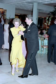 12/31/1987 President Reagan and Nancy Reagan dancing at a New Year's eve party at Sunnylands the Annenberg estate in Rancho Mirage California