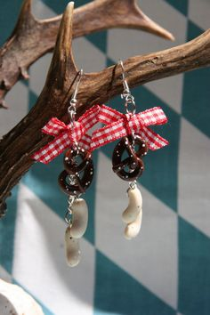 Iconic Bavarian treat earrings with Brezel (pretzel) and Weißwurst (Bavarian veal sausage)