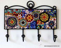 mosaiquismo - Buscar con Google Mosaic Tray, Mosaic Wall Art, Mirror Mosaic, Mosaic Glass, Mosaic Tiles, Mosaic Crafts, Mosaic Projects, Stained Glass Patterns, Mosaic Patterns