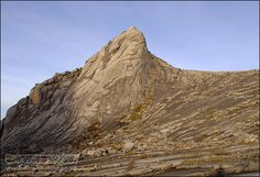 Low's Peak on the south side is incredibly steep :O Mount Kinabalu, Sea Level, Borneo, Natural World, Mount Everest, Badge, Exotic, Mountains, Places