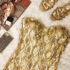 """✨Arden B Gold Sequin Party Dress Amazing preowned mini dress great for s girls night out! Size Medium. Cut like a size 6 or a smaller size 8. When laid flat and measured (without stretching) 16"""" bust with soft padded cups, 13.5"""" waist and 16.5"""" hip. Arden B Dresses Mini"""