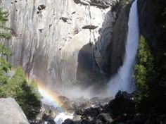 To the Base of Yosemite Falls | Yosemite | NileGuide