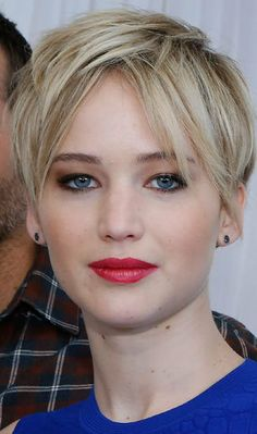 Jennifer Lawrence - Barely recognize her but looks great.  I totally want to rock this hairstyle!