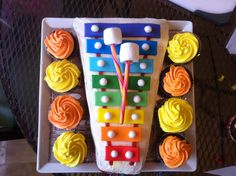 Xylophone cake and cupcakes.