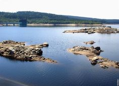 Jizerské hory. Přehrada Josefův Důl - po částečném upuštění se hladina snížila o 6 metrů River, Outdoor, Pictures, Outdoors, Outdoor Games, The Great Outdoors, Rivers