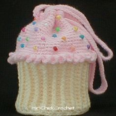 Cupcake Purse I have got to learn how to make this