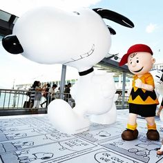 """""""Dare to Dream"""" Snoopy Art & Life Exhibition has been kicked off yesterday~ Meet Snoopy and take pictures with the world's tallest Snoopy sculpture atHarbour City until 12 Aug 2014. You may bring some of the Snoopy limited edition products back home at the pop-up store there! #allabouthongkong #harbourcity"""