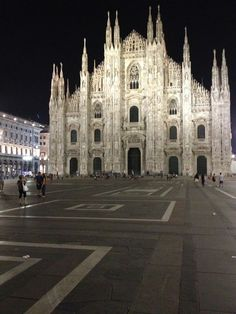 Milano itt: MI Italy Travel, Italy Trip, Places To Travel, Places To Visit, Great Places, Barcelona Cathedral, Around The Worlds, 2015 Trends, Secondary School