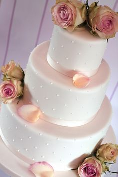 Love the pearl like icing detail with a purple band