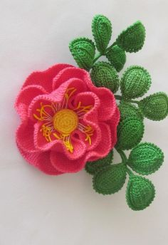 Irish lace, crochet, crochet patterns, clothing and decorations for the house, crocheted. Cactus En Crochet, Art Au Crochet, Crochet Leaves, Crochet Motifs, Knitted Flowers, Crochet Flower Patterns, Flower Applique, Knit Or Crochet, Crochet Gifts
