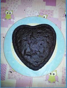 Per San Valentino una torta al cioccolato con crema chantilly 100% vegan. Venite a trovarmi nel mio blog per altre ricette ;)