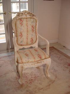 "armchair dollhouses ""English roses"". €21.00, via Etsy."