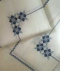 3 stück wohnzimmer set💙 # etamin # etaminaski # kanavice # kreuzstich … – New Ideas Hand Embroidery Dress, Hand Embroidery Designs, Cross Stitch Embroidery, Embroidery Patterns, Knitting Patterns, Crochet Patterns, Cross Stitch Heart, Cross Stitch Borders, Cross Stitch Designs