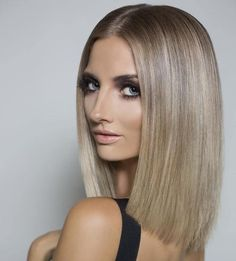 medium length blonde hairstyle for straight hair