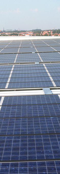 Módulos fotovoltaicos fabricados con componentes de alta calidad y según las más avanzadas técnicas, cumpliendo las certificaciones: IEC 61215, TÜV Safety Class II, ISO14001-9001 y CE.
