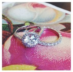 Who doesn't love a halo with a perfect matching band?!