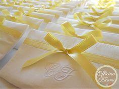 """customized with confetti in them, that you give away at #weddings   #bomboniere sacchetti #portaconfetti per #matrimonio completamente personalizzabili e made in Italy. Model: """"SINFONIA"""