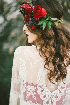 Bridal hair. Peppers in floral crown. Red inspiration. Photos by Stephanie Rose