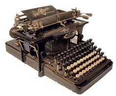 Machine à écrire Hartford - 1896 - www.remix-numerisation.fr