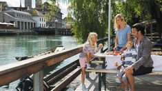 Discover our tips for your Zurich trip with all the family and find out more about the fascinating excursions and museums for children. Switzerland Tourism, Lake Zurich, Family Weekend, Tourist Information, Public Transport, Old Town, Day Trips, The Locals, Are You The One
