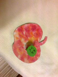jablíčko s červíkem