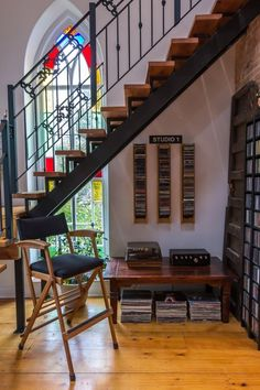 Amazing music collection as enviable décor. Plus, get a load of that stained glass. @apttherapy
