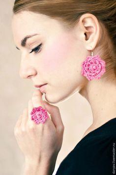 Комплект украшений - розовый, розовые серьги, розовый браслет, серьги и браслет, вязаная бижутерия, Handmade crochet jewelry