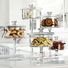 pedestal cookie jars: perfect for candy buffet Glass Cookie Jars, Glass Candy Jars, Glass Sweet Jars, Cookie Display, Candy Buffet, Dessert Buffet, Glass Containers, Cake Plates, Cookie Bars