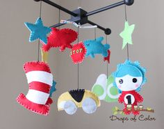 Seuss Mobile Inspired by Dr. Seuss Story Books Cat in the Hat, Green Eggs and Ham, Thing and more. via Etsy Baby Boy Nurseries, Baby Cribs, Dr Seuss Nursery, Nursery Room, Girl Nursery, Baby Motiv, Felt Crafts, Diy Crafts, Nursery Inspiration