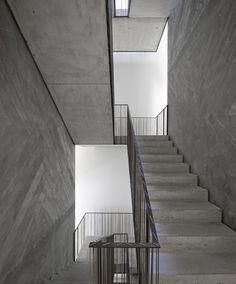 Interesting Stitch Detail where balustrade meets handrail | Casa do Conto | Pedra Líquida