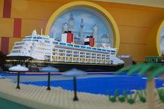 A Disney Cruise Boat :: LEGO creations. Disney Cruise Ships, Cruise Boat, Lego Instruction Books, Cruise Ship Models, Lego Boat, Big Lego, Lego Ship, Lego Builder, Lego Trains
