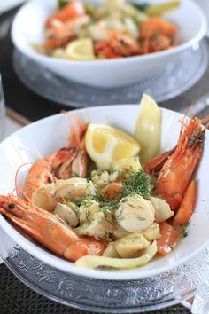 La blanquette elle peut être de veau (traditionnelle), de poulet, de lapin ou de poisson comme ici. Voici une recette rapide, saine et trèsgoûteuse,...