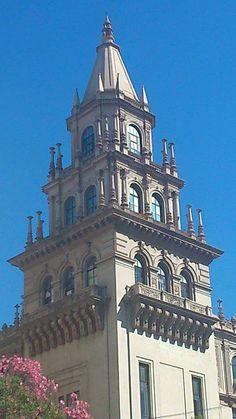 Sede del Ministerio de Salud Pública (MSP), cito en Rodríguez y Brandsen, Montevideo,Uruguay.