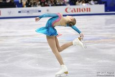 Russian Figure Skater, Ice Skaters, Ice Dance, Skating Dresses, Figure Skating, Grand Prix, Cheerleading, Gymnastics, Champion