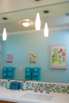 Flower art and cute bathroom tile